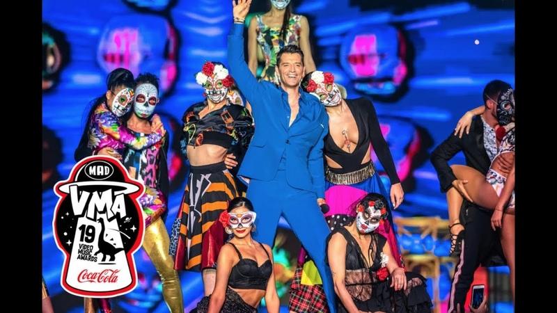 Σάκης Ρουβάς Δραμαμίνη Έλα στο χορό Mad VMA 2019 by Coca Cola