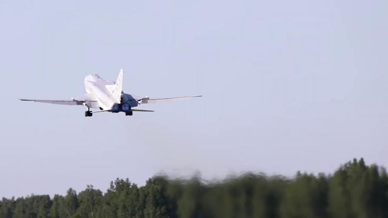 Полет дальних бомбардировщиков Ту 22 в рамках учения Славянское братство 2020 в Белоруссии
