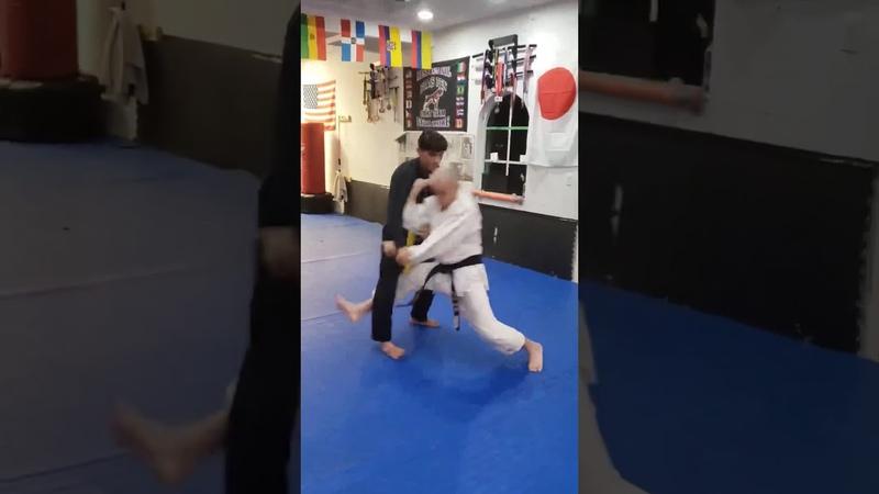 Ko Uchi Gake, cuando intentamos ataque al frente con Morote Seoi Nage y uke ofrece resistencia