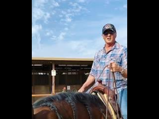 """Из инстаграма Слая Сталлоне: """"Нет ничего более спокойного для меня, чем езда на лошади."""""""