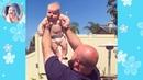 面白いパパは赤ちゃんの世話をします 大きなパパ