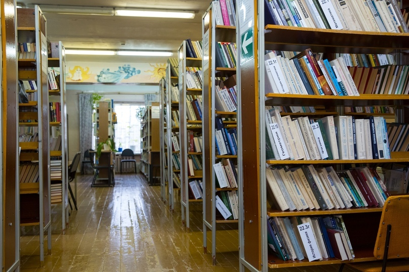 Библиотека с читальным залом в Доме культуры п.Водный