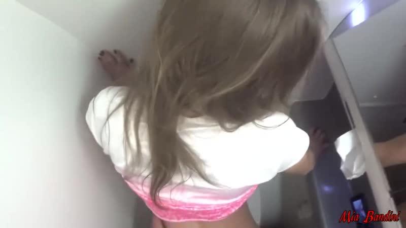 в туалете поезда) Mia Bandini, брюнетка, минет, любительское,