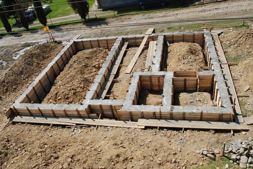 Как строится основной фундамент