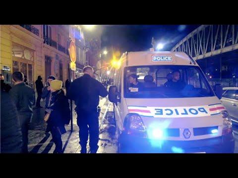 Retraite Emmanuel Macron exfiltré d'un théâtre17 janvier 2020 Théâtre des Bouffes du Nord Paris