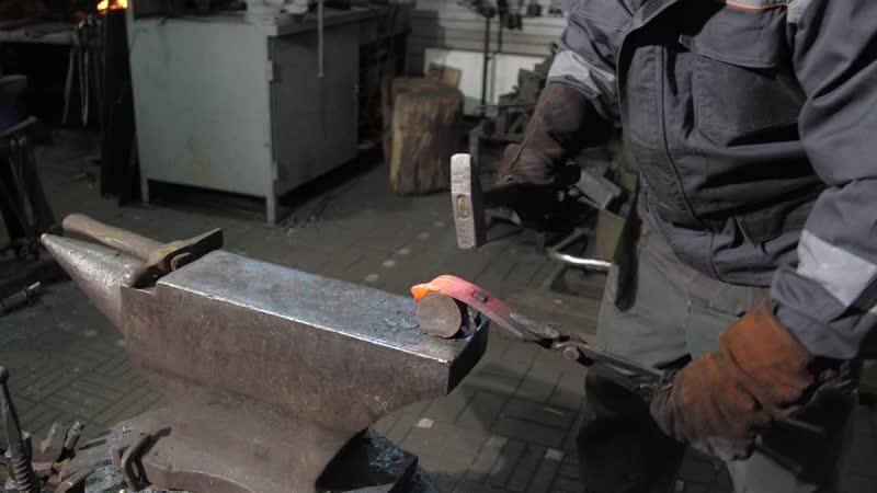 Мастер класс демонстрация работы реставратора произведений из металла на примере чугунной ограды