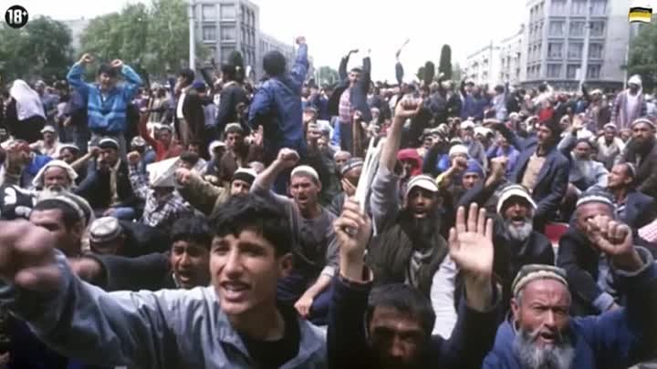 Геноцид славян в Таджикистане Вот сейчас ,,наше,, жыдовское правительства приглашает их пачками чтоб они нас ассимилировали и уничтожили Они русских убивали у себя на родини, а сейчас русских убивают и насилуют в России