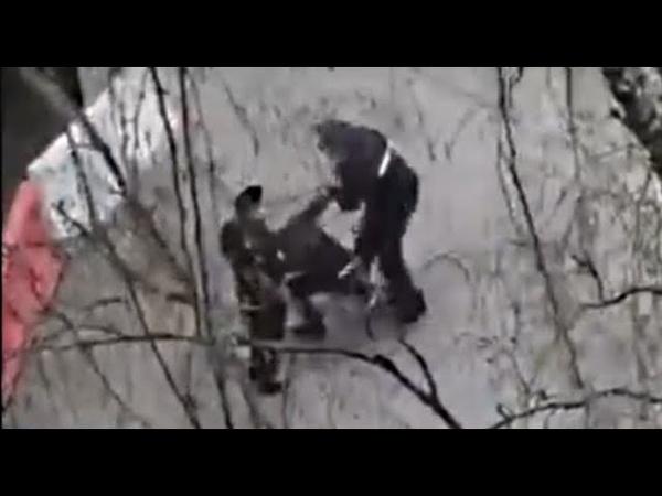 мусор убил человека в наручниках ПОЛИЦАИ устроили БЕСПРЕДЕЛ на улицах в стране победившей ФАШИЗМ