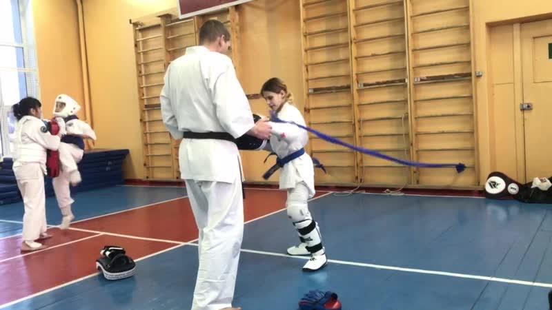 Прошу вас, люди, уважайте Спортсмена в белом кимоно Он каратист боец соперник, Но человек прежде всего vk.com/oyama_mas
