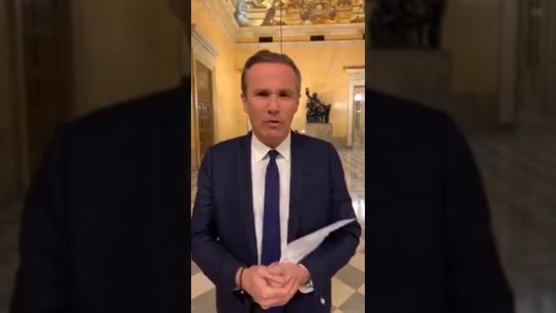 Dupont Aignan envoie du lourd Macron vend nos retraites aux assurances