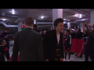 Harry arriving at an Arsenal match - October 27