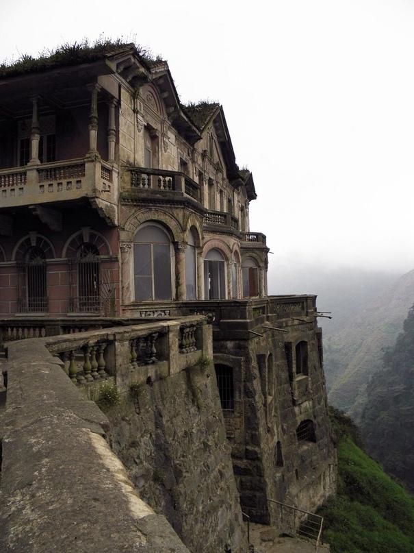 Заброшенный отель El Hotel del Salto в Колумбии