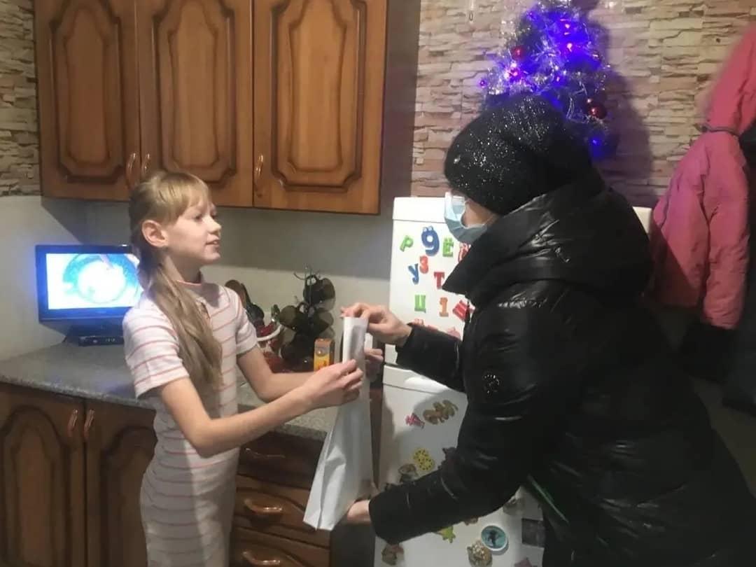 В Петровске продолжаются Всероссийские предпраздничные акции «Новый год придёт в каждый дом» и «Ёлка желаний»