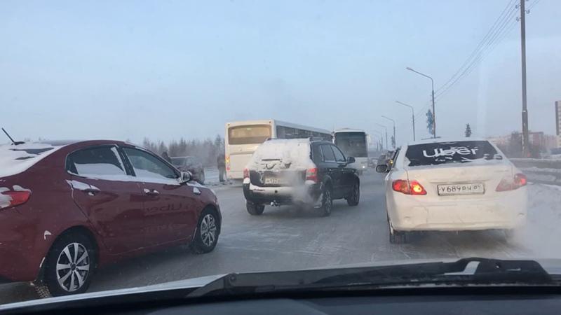 ❗️🚧 Север юг сильная пробка из за аварии в обе стороны 5 машин и автобус