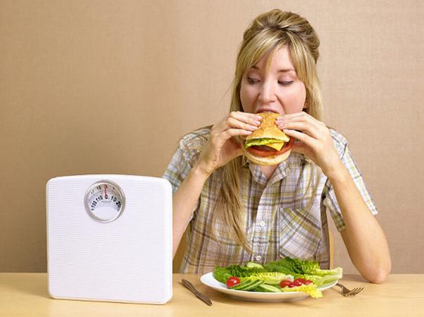 Спонтанное переедание: 5 НЕОЧЕВИДНЫХ причин