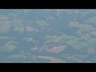 БРАЗИЛИЯ  Полет  над  страной   и  азропорт  города  Игуассу  в  честь  которого  назван  водопад