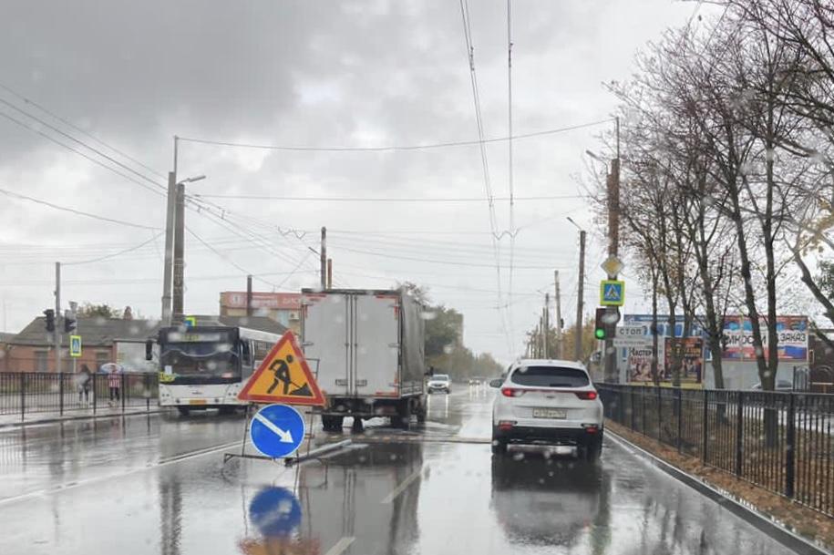 МКУ «Благоустройство»: В Таганроге в районе ТРЦ «Мармелад» установлены «лежачие полицейские»