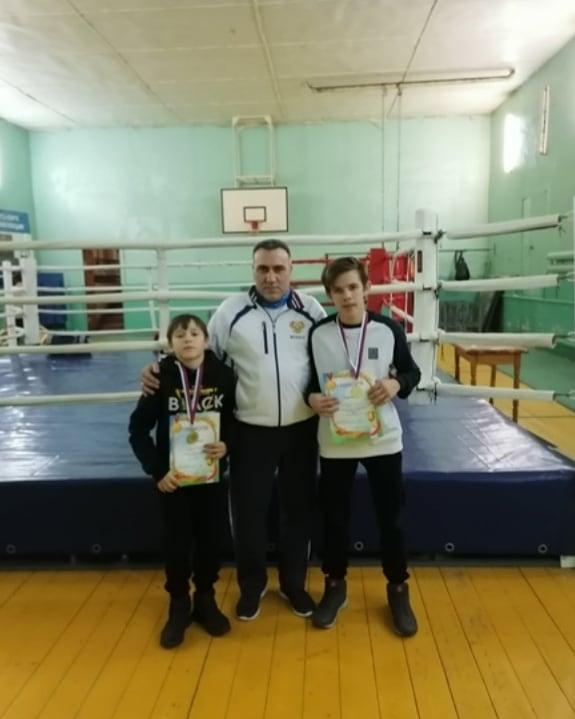 Петровские боксёры стали победителями турнира в Пензенской области