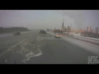 В Новом Уренгое комбо ДТП из-за гололёда