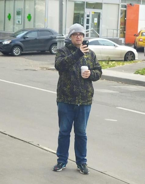 Москвич Игорь Матюнин наткнулся на помощника столи...