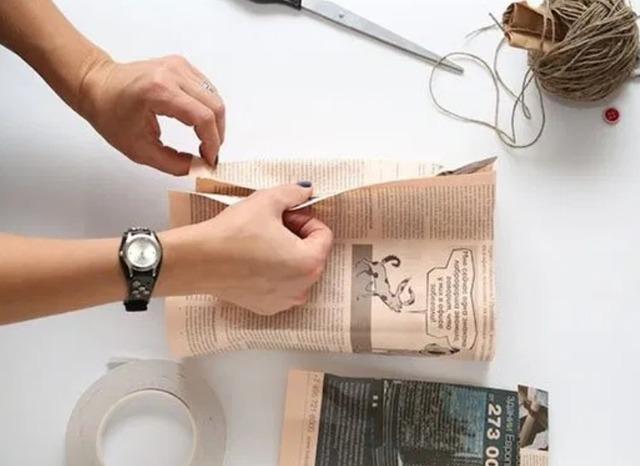 как упаковать коробку в подарочную бумагу
