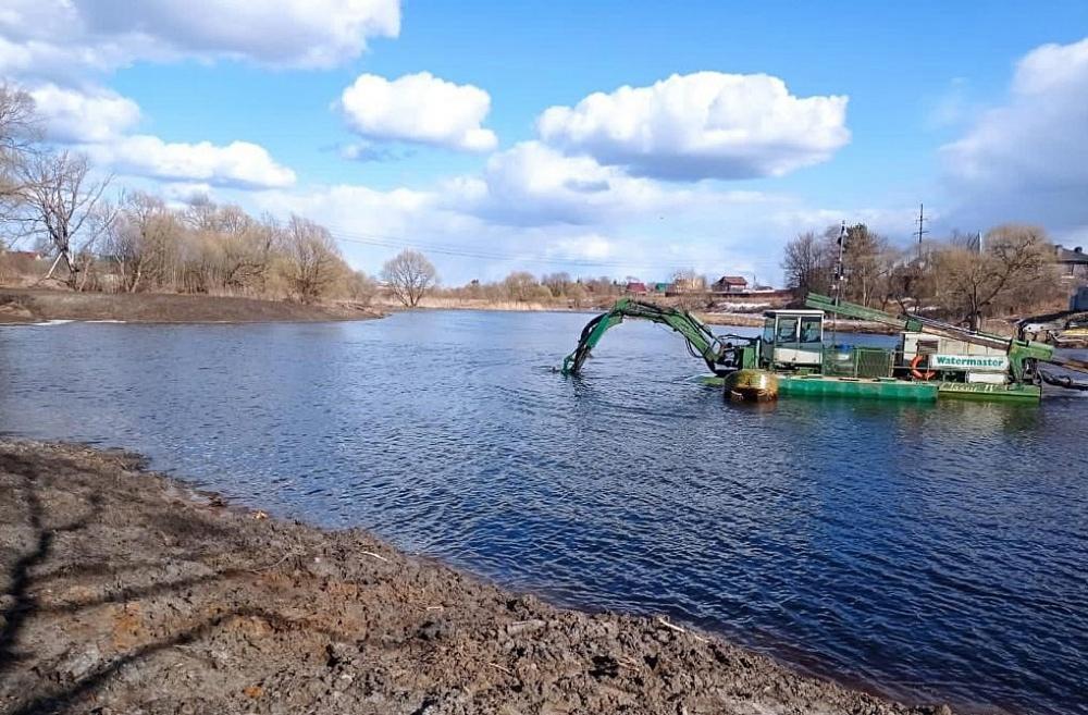 В Кимрах Тверской области приступили к расчистке реки Кимрка