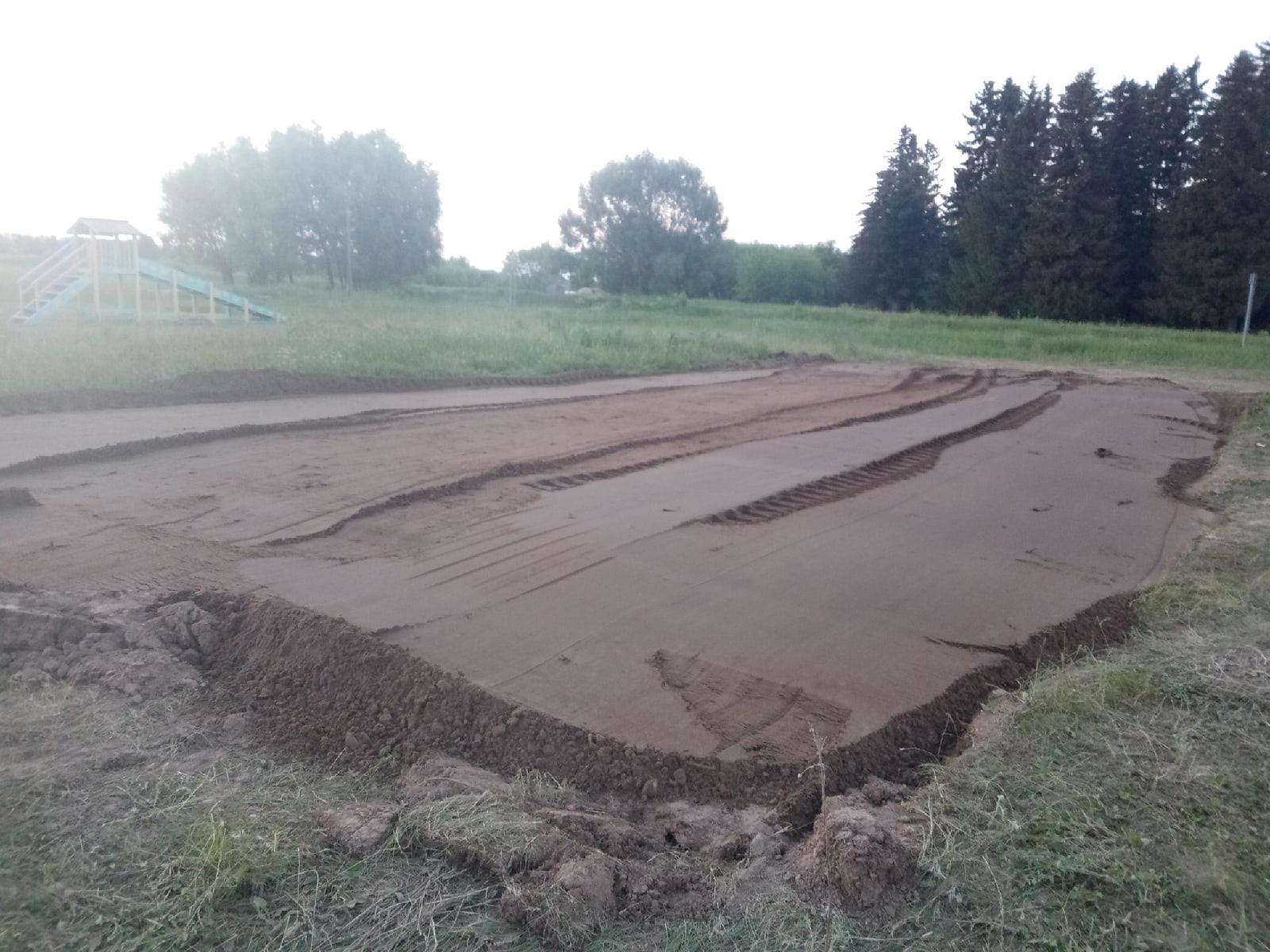 Площадка под пляжный волейбол появится возле пруда