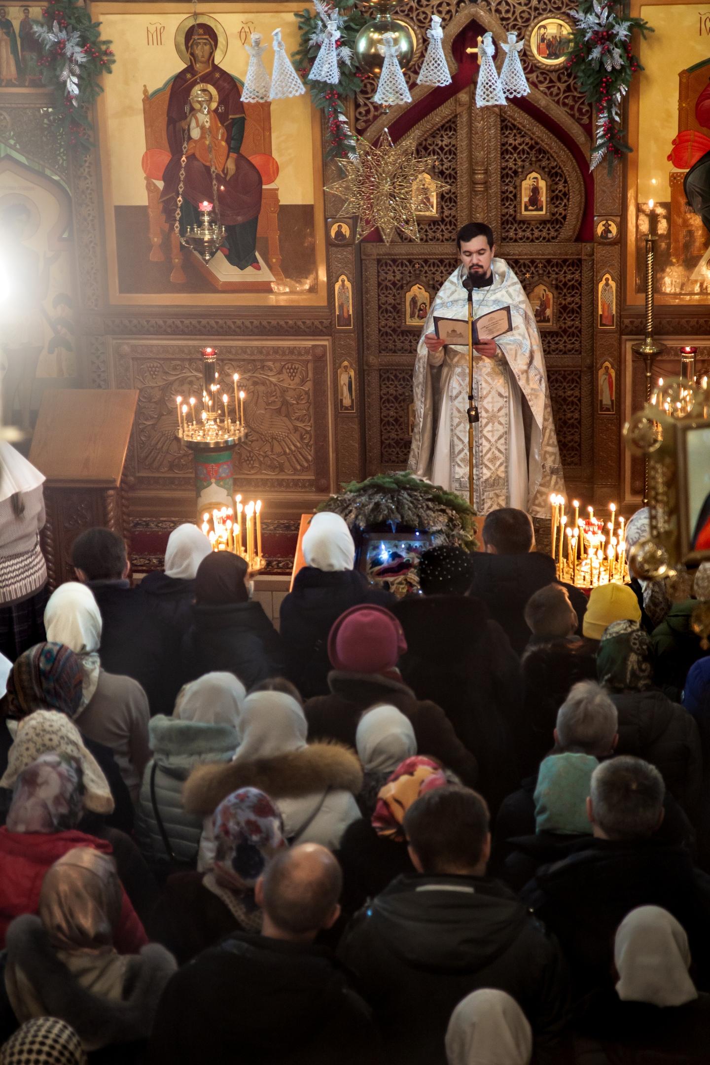 Праздничная служба Рождества Христова в храме святых Космы и Дамиана