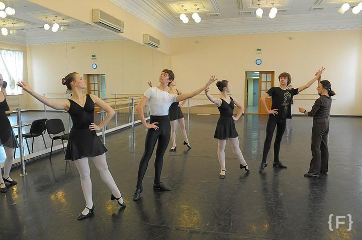 На_заметку: В Самарском хореографическом училище представили нового директора, сообщают в областном...