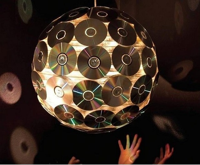 что можно сделать из компакт-дисков, что можно сделать из СД своими руками, игрушки на елку из дисков, как сделать игрушки из дисков, Новый год 2021, Новый год 2022, Новый год 2023, год Быка 2021, новогодние поделки на год Быка 2021, новогодние поделки 2021, новогодние поделки 2023, новогодние поделки 2022, новогодние поделки своими руками,Елка из подручного материала (МК и варианты), как сделать елку своими руками из настоящей хвои, мастер-класс,