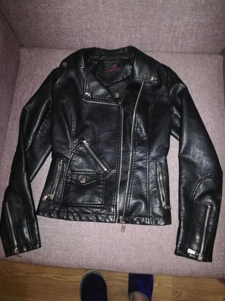 Куртка кожзам, размер 42-44.в идеальном состоянии...