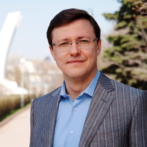 Дмитрий Азаров поздравил жителей региона с Днем от...