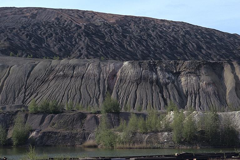 Земля один огромный древний карьер, изображение №81
