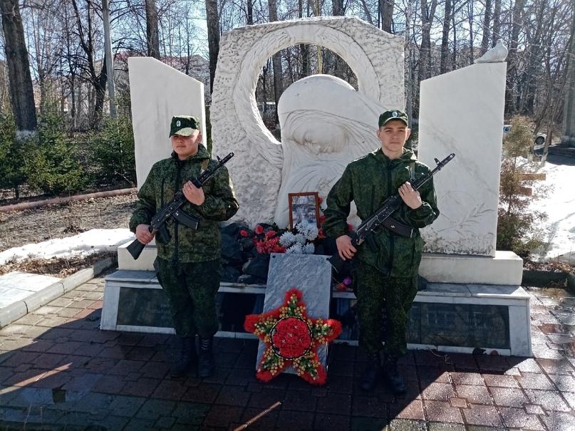 Вахты Памяти по погибшим выпускникам «ЗлатИК», изображение №5