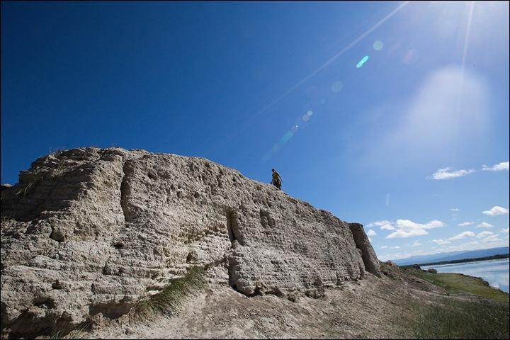 Тайна древней крепости Пор-Бажын, построенной на острове в сибирском озере, изображение №25