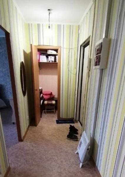 Сдам квартиру 1 однокомнатную в 4 мкр. 4 этаж.  На...