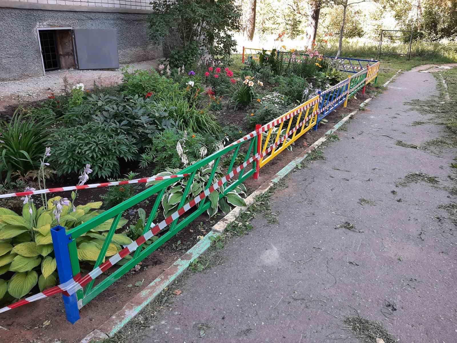 Установка декоративного забора улица Ердякова дом 6