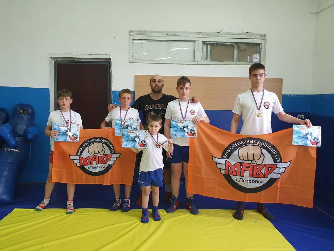 Петровчане стали призёрами областных соревнований по грепплингу