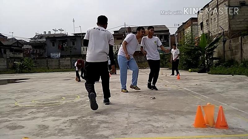 Permainan Bola Kecil Bola Tempel Kompak