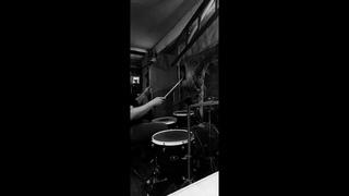 Jersey! - В твоей игре и Встречая рассвет ( Drum session с Илюхой )