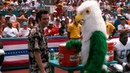 Драка с попугаем-талисманом — Эйс Вентура Розыск домашних животных 1994 сцена 10/10 HD