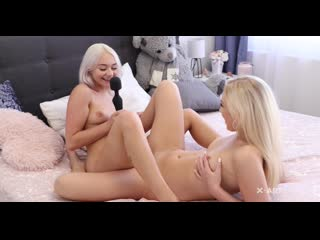 Jenny and Marilyn - Move Together Blonde Lesbians [Lesbian]