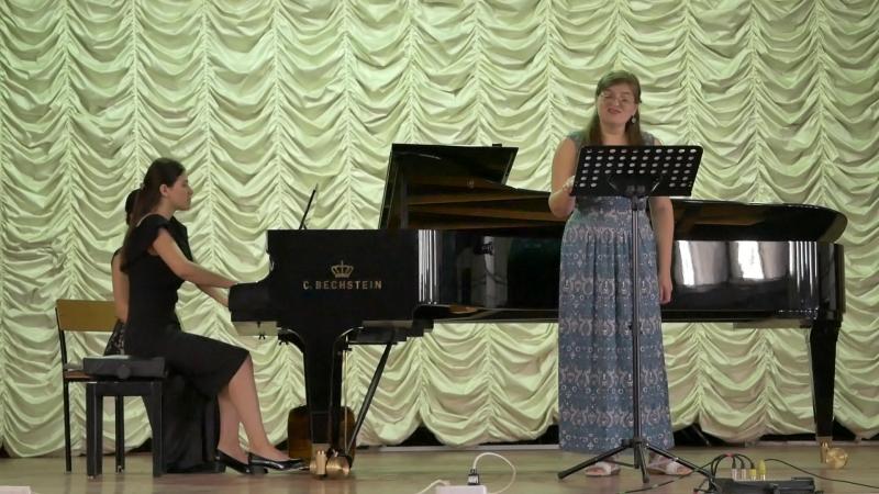 2018 9 июня РОГУИ исп. Донцова М.(ф-но), Юлия Изотова (вокал)