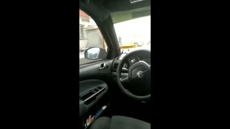 неадекваты бьют такси