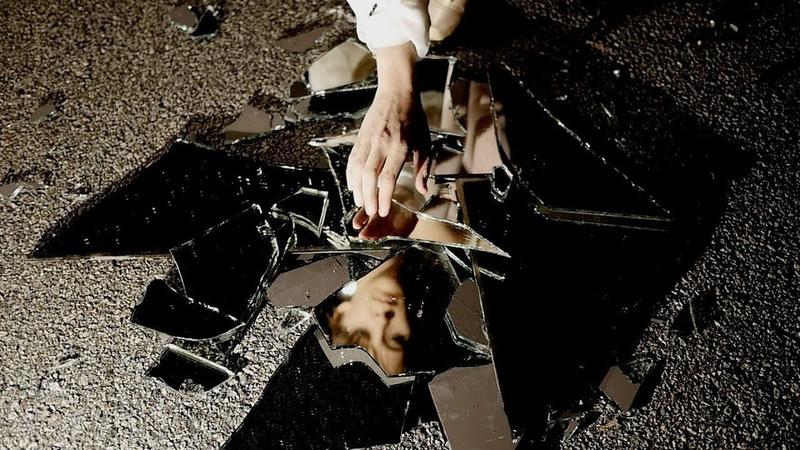 Нумерология Разбитое Стекло или Зеркало во сне и наяву что это за Знак Что при этом делать