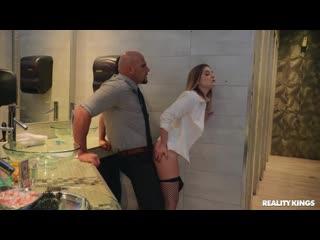 Kara Lee (Bathroom Attendant) [2020, All Sex, Big Tits, Facial, 1080p]