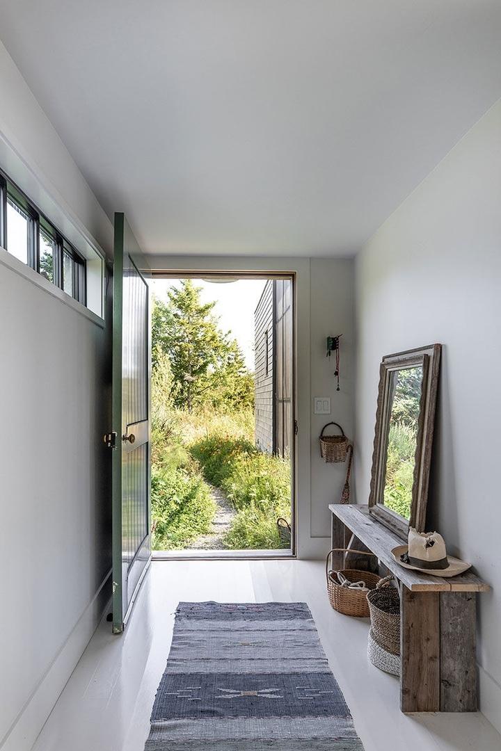 Интересная архитектура и продуманное остекление: дом на острове в штате Мэн || 02