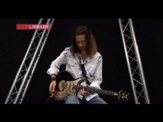 Lick Library - Quick Licks - Brian May (Mid Tempo Rock) Michael Casswell